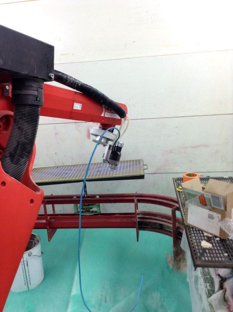ROBOT MULTI-AXE INSTALLATION COSMÉTIQUE